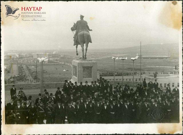 Atatürk'ün Cenazesinden Bilinmeyen Görüntüler