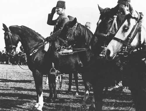 Mustafa Kemal Atatürk ve Atlar