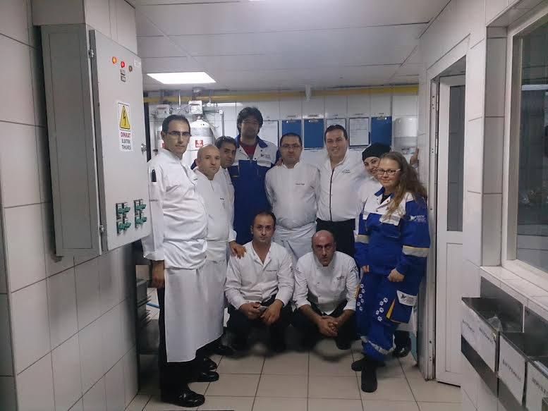 HAYTAP Yılbaşında ''Onlar Doysun''  Çalışması Başlattı - Yılbaşından Artan Yemekler Topladı.